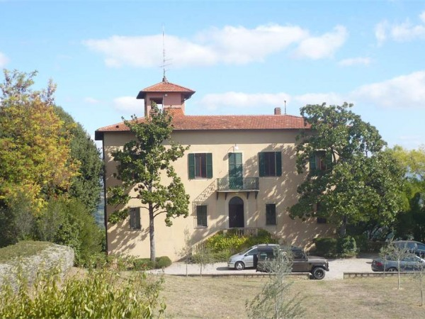 Villa in vendita a perugia centro storico con giardino for Giardino 15 mq