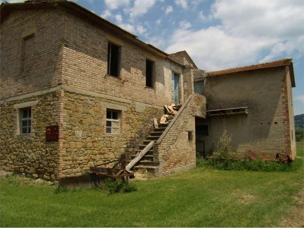 Rustico/Casale in vendita a Assisi, Sterpeto, Con giardino, 300 mq.