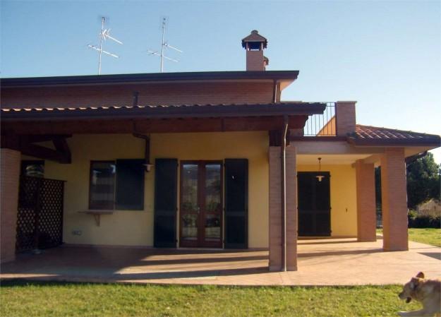 Villa in vendita a Perugia, Santa Sabina, Con giardino, 200 mq.