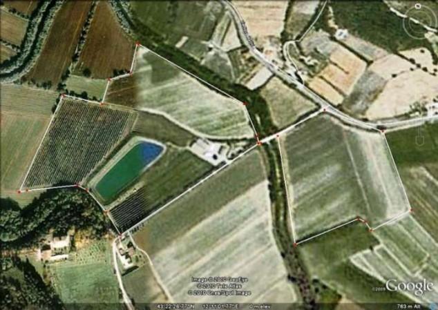 Locale Commerciale  in vendita a Città di Castello, Badia Petroia, Con giardino, 160000 mq.