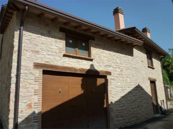 Casa indipendente in vendita a Nocera Umbra, 150 mq.