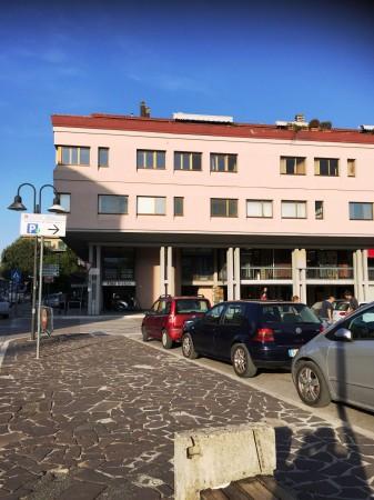 Vendita locale commerciale a Spoleto - Via Cacciatori Delle Alpi (cod. 2018)