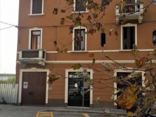 Appartamento in vendita a Sesto San Giovanni, Restellone, 64 mq