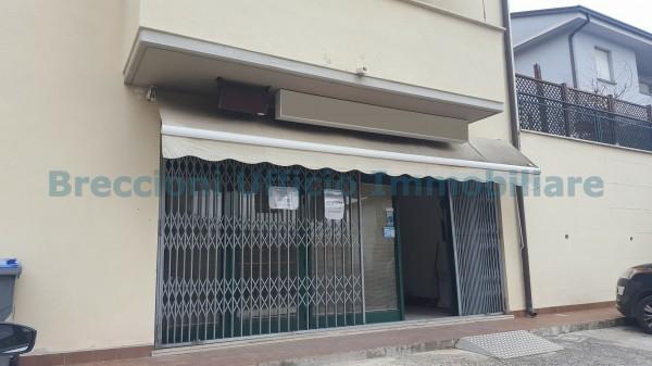 Affitto locale commerciale a Trevi - Via Faustana
