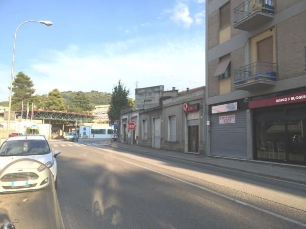 Locale commerciale inizio Via Marconi  - Angolo V.le Trento e Trieste