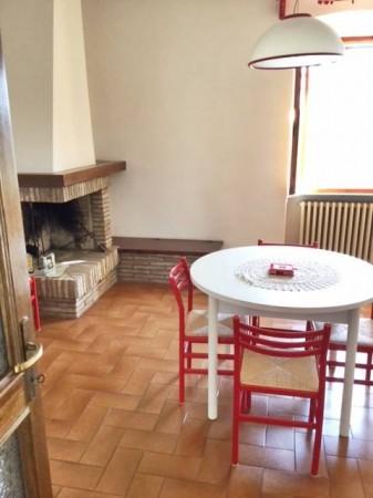 Appartamento in vendita a Città di Castello, Valdipetrina, Con giardino, 200 mq.