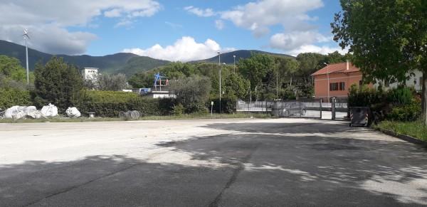 Locale Commerciale  in affitto a Spoleto, Ss.flaminia, 1200 mq.