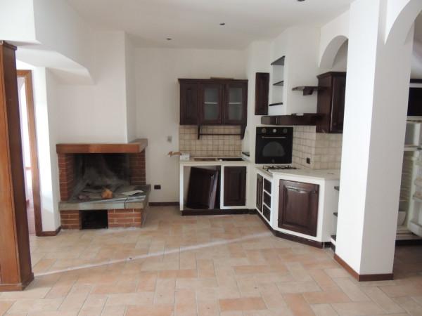 Appartamento in Via Marconi con giardinetto