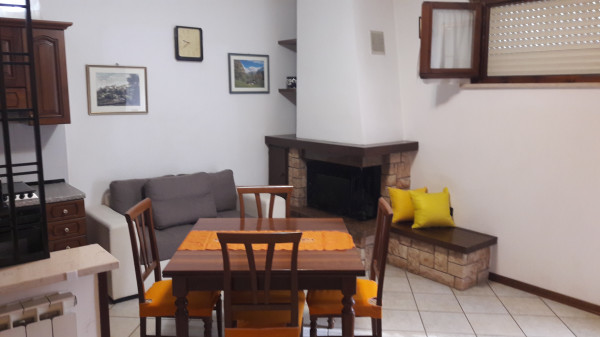 Spoleto affittasi appartamento traversa Viale Marconi
