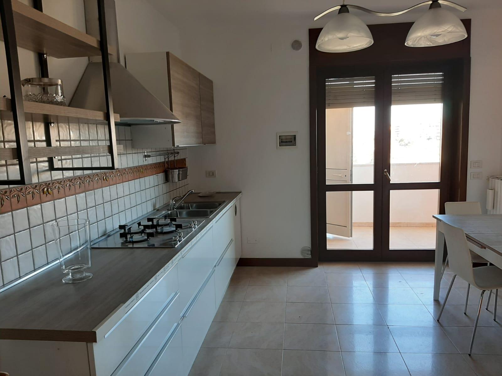 Appartamento, viale Aldo Moro, est, Affitto - Lecce (Lecce)