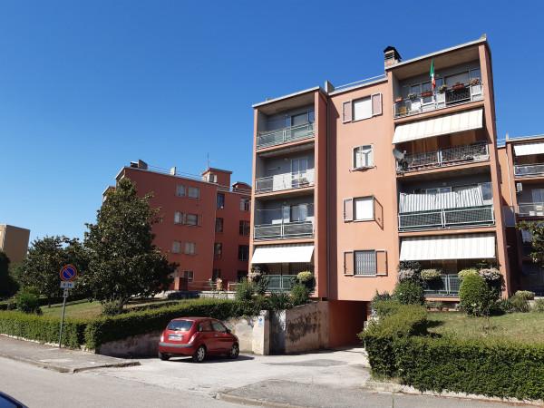 Appartamento in affitto a Spoleto, Prima Periferia, 100 mq.