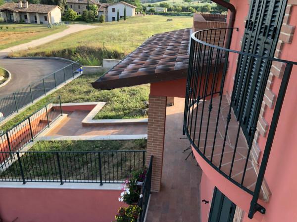 Villa in vendita a Perugia, Via, 300 mq.