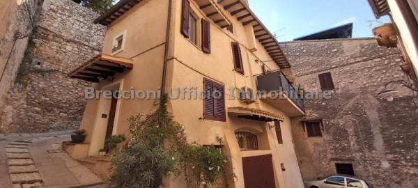 Casa singola a Trevi - Via Del Priorato