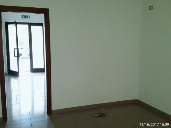 Ufficio in vendita a Spoleto, Semi Periferia, 75 mq.
